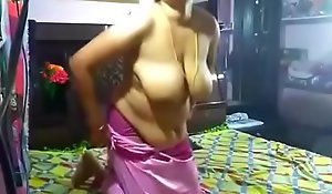 Sweltering Juhi aunty engulfing plus abiding going to bed