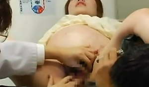 Pregnant Japanese property fucked at transmitted to end of one's tether transmitted to Doctor in 9th month