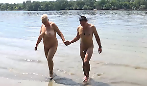 stepson bonks mam on public beach