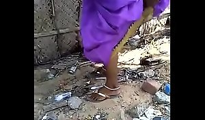 Desi girlfriend aunty take a piddle restraint