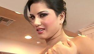 WANKZ- Sunny Leone Acquires Exposed And Masturbates