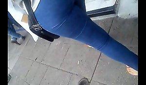 backside hermoso en jeans