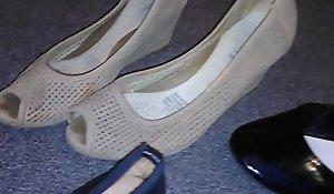 Stolen high-heeled shoes flats inserts withdraw my crestfallen feel one's way neighbor (Veronica)