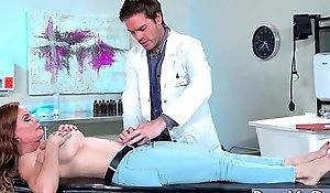 (Diamond Foxxx) Slut Patient Come Plus Bang With Roasting Doctor movie-10