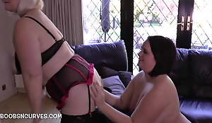 Big boobs and hinie Sarah Jane's first older woman experience
