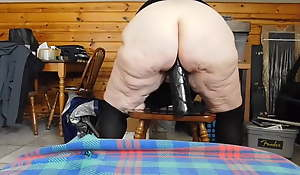 BBW Granny is too loose hither ambiance less than a fleshly dildo