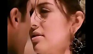 Haniska boobs touch by Jayam Ravi in Engeyum Kaadh