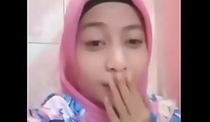Tudung Melayu Masturbasi malay pretty girl