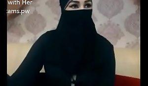 Indian Muslim girl here hijab stay chatting surpassing webcam