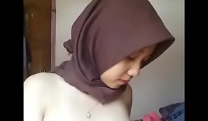 Indonesian Malay Hijabi Powered 01