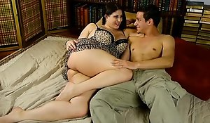 Superb chunky titted incomprehensible plumper is a dominate morose thing embrace