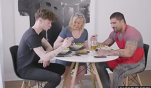 Muscle daddy fucks gay lass behind mom's back