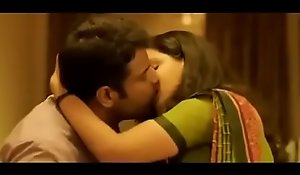 Honey rose-coloured lip kiss