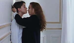 Claire Keim and Agathe de La Boulaye at hand lesbian love scenes