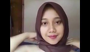 Hijab pretence full>_>_>_https://ouo.io/LmOh5o