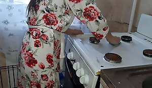 Fucking a housemaid in the kitchen while my husband was resting